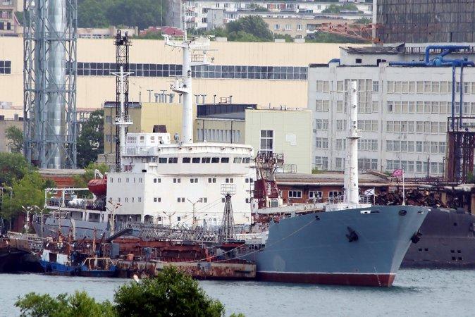 """Технический танкер проекта 11510 """"Пинега"""", оснащенный двигателем размерности 23/2х30"""