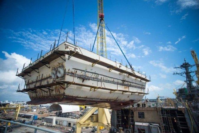 """Строительство эсминца """"Дельберт Д. Блэк"""" на верфи в Паскагуле"""