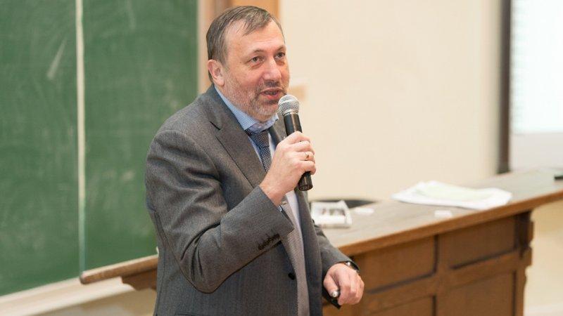 """Председатель совета директоров ПАО """"ЗВЕЗДА"""" Павел Плавник"""