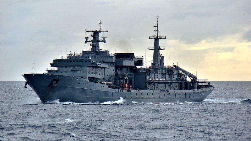 """Спасательное судно ТОФ """"Алагез"""" пр. 537"""