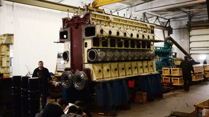 Дизельный двигатель 68Г размерности 18 ДПН 23/2х30