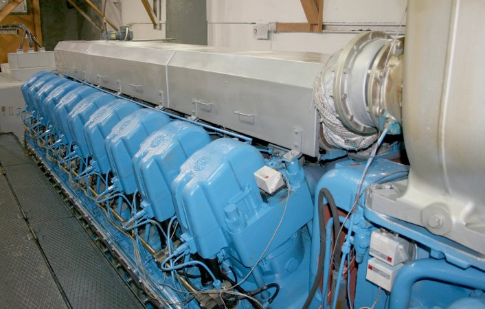 Двигатель 20ЭДГ500 на испытательном стенде