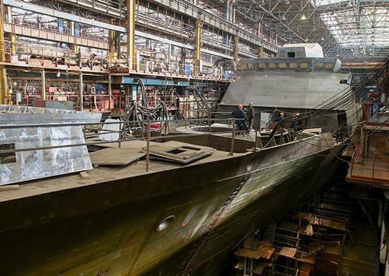 Корвет проекта 20380 в цеху Амурского судостроительного завода