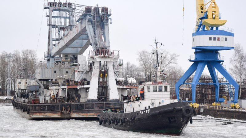 Зимнее докование на Кронштадтском морском заводе
